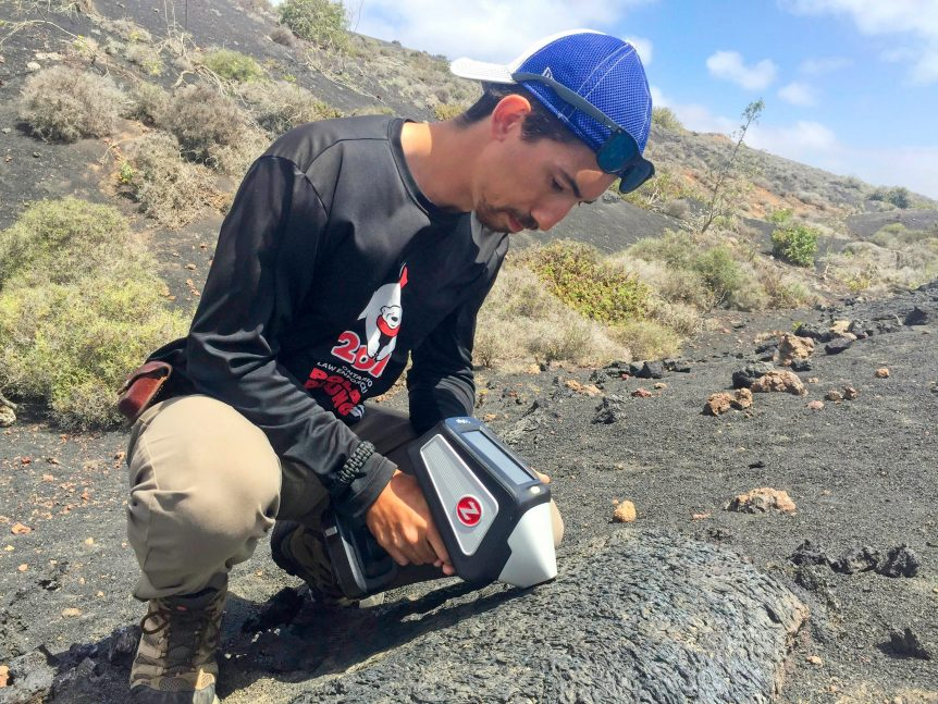 handheld LIBS applied to rock sample